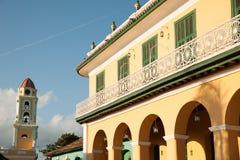 Sławny Kubański miasto Trinidad z starym kościelny wierza klasztorem Sain Zdjęcia Stock
