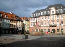 Sławny kwadrat w Frankfurt mieście z typowymi budynkami obrazy stock