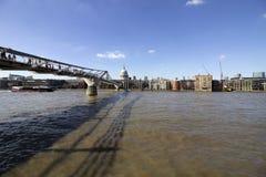 Sławny milenium most, Londyn, Zlany królestwo obraz stock