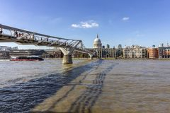 Sławny milenium most, Londyn, Zlany królestwo obraz royalty free