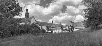 S?awny monasteru eberbach blisko eltville Hesse Germany w czarny i bia?y obrazy royalty free