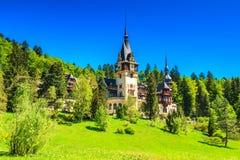 Sławny muzeum w lesie, Peles kasztel, Sinaia, Rumunia, Europa obraz royalty free