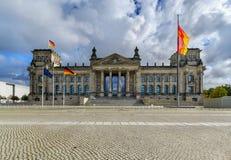Sławny Reichstag budynek w Berlińskim dnia foto Obrazy Royalty Free