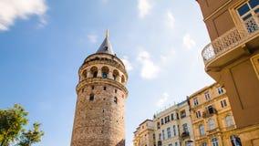 Sławny turystyczny miejsca Galata wierza w Istanbuł w Turcja fotografia stock