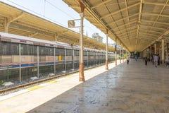 Sławny Ukierunkowywa pociąg ekspresowego Stacyjnego i w Istanbuł zdjęcia royalty free