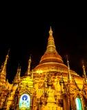 Sławny złoty pagodowy Shwedagon przy nocą, Yangon, Myanmar 6 Obrazy Stock