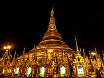 Sławny złoty pagodowy Shwedagon przy nocą, Yangon, Myanmar 2 Fotografia Royalty Free