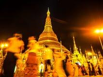 Sławny złoty pagodowy Shwedagon przy nocą, Yangon, Myanmar 3 Obrazy Royalty Free