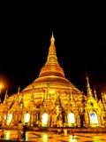 Sławny złoty pagodowy Shwedagon przy nocą, Yangon, Myanmar 4 Zdjęcia Stock