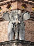 Słoń statua przy Watem Chedi Luang Obrazy Stock