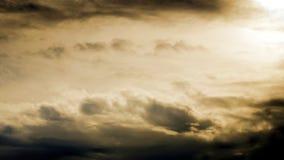 Słońca światło przy chmurnym niebem Obraz Royalty Free