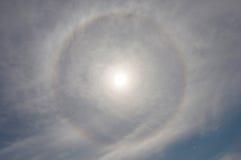 Słońca halo w mrocznym czasie, naturalny zjawisko Zdjęcie Royalty Free