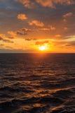 Słońca odbicie na fala ocean Zdjęcie Stock