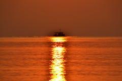 Słońce ścieżki statku horyzont Obrazy Stock