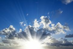 Słońce I Chmury obrazy royalty free