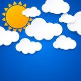 Słońce i chmury na niebieskiego nieba tle ilustracji