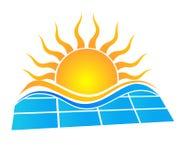 Słońce i panel słoneczny Obraz Royalty Free