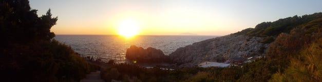 Słońce kamienia wody wakacje lato zdjęcia stock