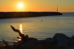 słońce na morzu Obrazy Royalty Free