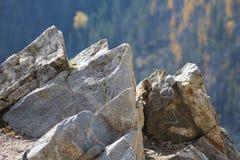 Słońce Na skałach W górach Obraz Royalty Free