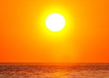 Słońce nad oceanem Fotografia Royalty Free