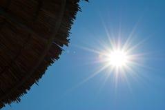słońce plażowy parasol Zdjęcia Stock