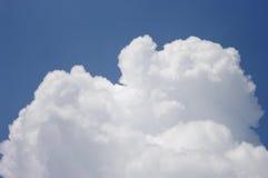 Słońce promień z chmurą w niebie Obrazy Royalty Free