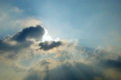 Słońce promień z chmurą w niebie Zdjęcie Stock