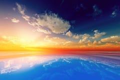 Słońce promienie w chmurach Fotografia Royalty Free