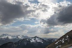 Słońce przerwy przez chmur Fotografia Stock