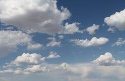 Słońce przez chmur Zdjęcie Royalty Free