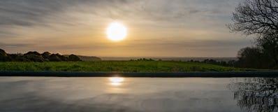 Słońce sety na Cotswolds obraz stock