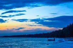 Słońce sety nad oceanem Fotografia Stock