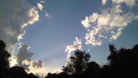Słońce shinning poza chmury obraz royalty free