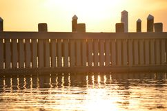 Słońce ustawiający nad zatoką doc Obraz Stock