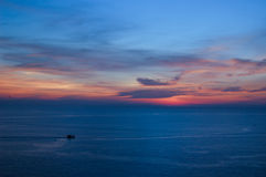 Słońce ustawiający przy Phuket w Mrocznym czasie, Tajlandia Obraz Royalty Free