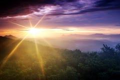 Słońce wybuch jest shinning przy świtem Zdjęcia Stock