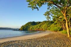 Słońce wzrasta nad Playa Blanca plażą w Papagayo, Costa Rica Zdjęcie Royalty Free