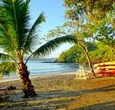 Słońce wzrasta nad Playa Blanca plażą w Papagayo, Costa Rica Fotografia Stock
