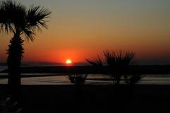 Słońce wzrost przy Larnaka, Cypr Obraz Royalty Free