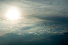 słońce za chmury Obrazy Royalty Free
