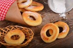 Słodcy świezi donuts z mlekiem Zdjęcie Stock