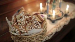 Słodcy ciastka na Bożenarodzeniowym gościu restauracji zdjęcie wideo