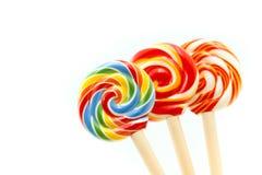 Słodcy kolorowi cukierki, lizaki używać dla pojęcia cukierku dzień obrazy royalty free