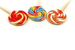 Słodcy kolorowi cukierki, lizaki używać dla pojęcia cukierku dzień obraz stock