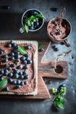 Słodcy opłatki robić świeże jagody i czekolada zdjęcie royalty free
