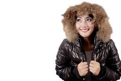 Słodka kobieta jest ubranym zimy kurtkę Zdjęcia Stock