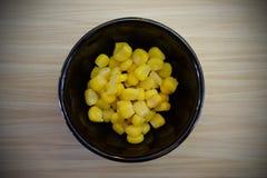 Słodka kukurudza która jest w filiżance zdjęcie royalty free