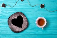 Słodka niespodzianka dla kocham jeden Romantyczny breakfastValentines dnia tło fotografia royalty free