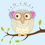 Słodka sowa w hełmofonach ilustracji